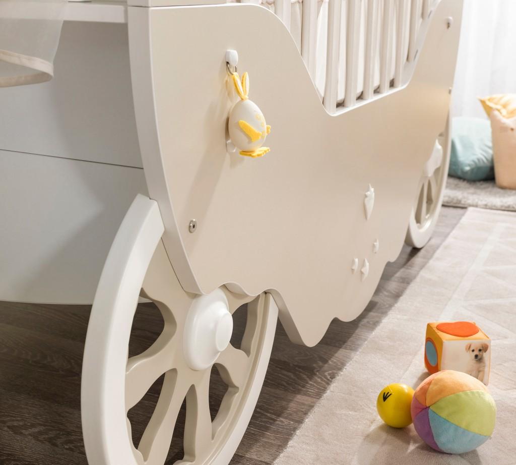 Кровать-карета для малыша