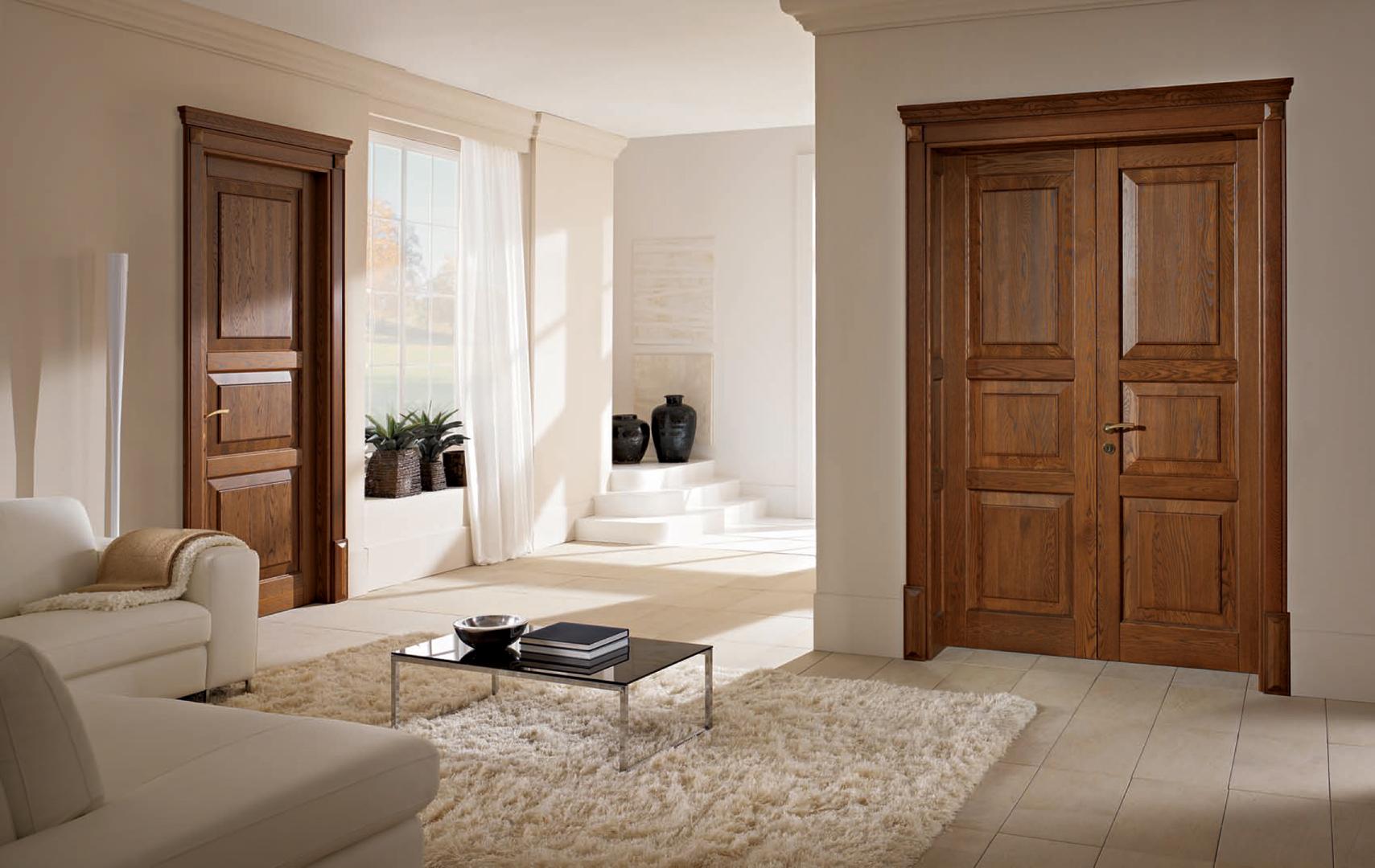 Двустворчатая дверь из массива