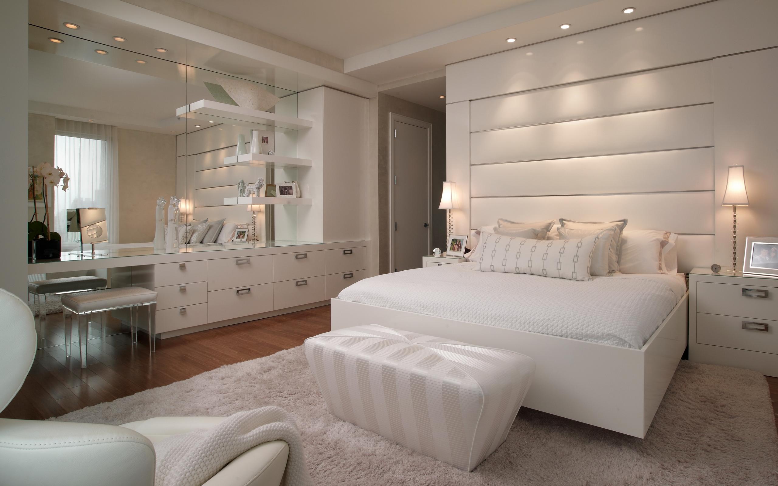 Белая кровать из МДФ