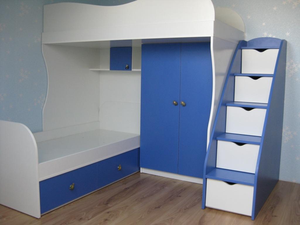 Кровать-чердак синего цвета из МДФ