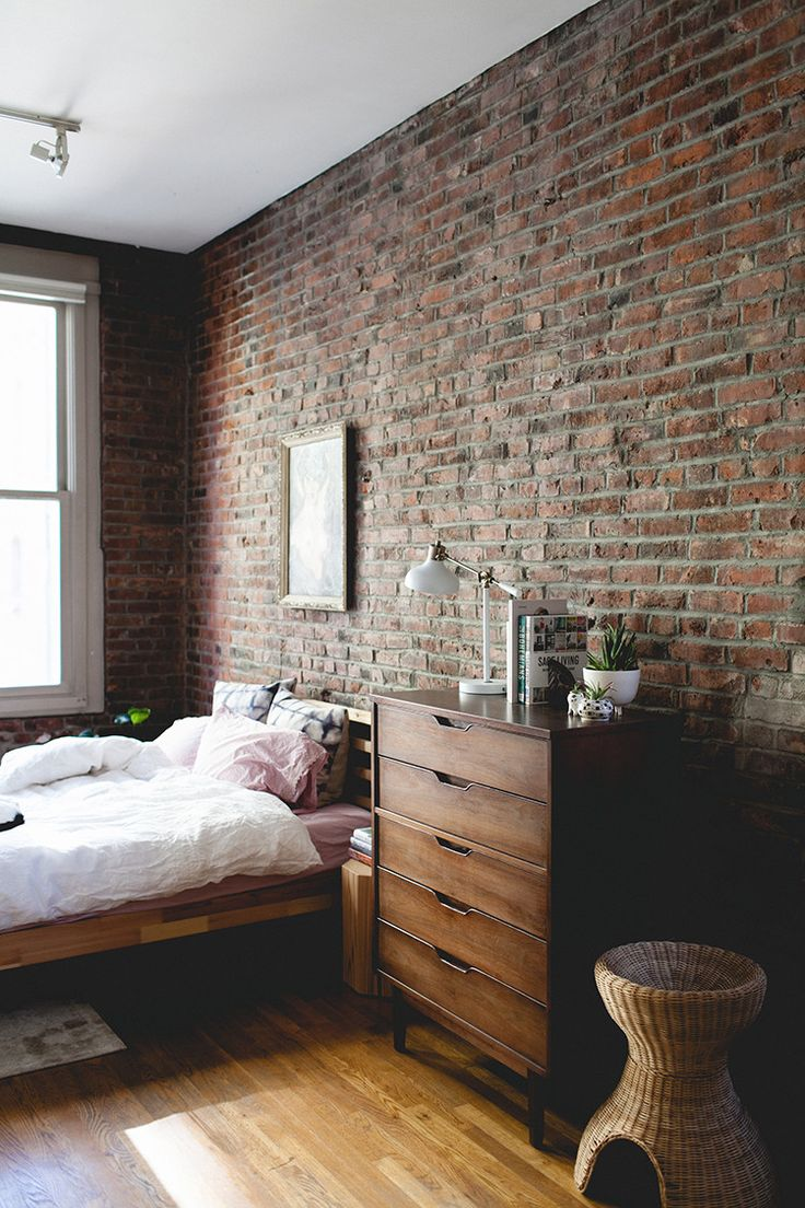 Мебель в спальне лофт