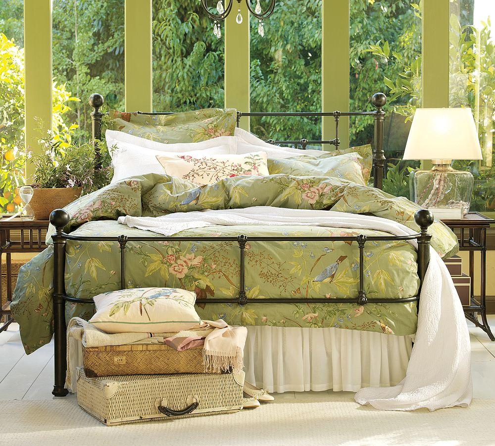 Реечная кровать из металла