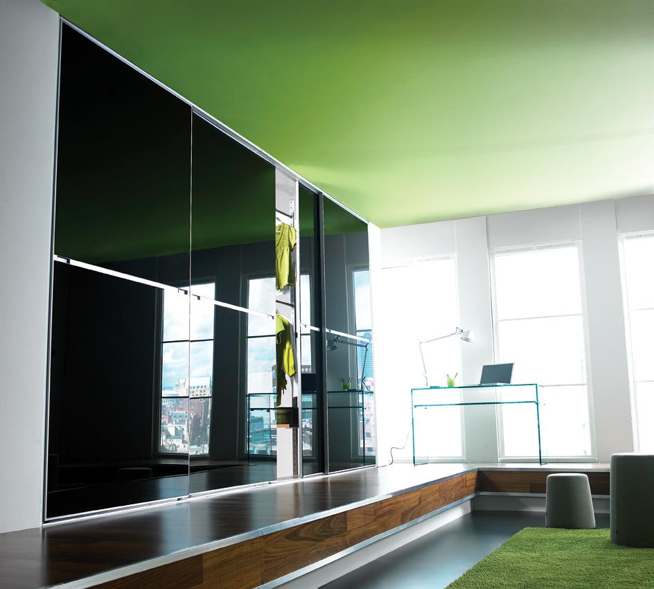 Зеленый потолок в стиле минимализм