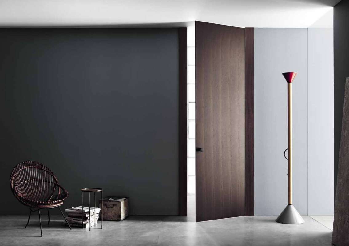Дубовая дверь в стиле минимализм