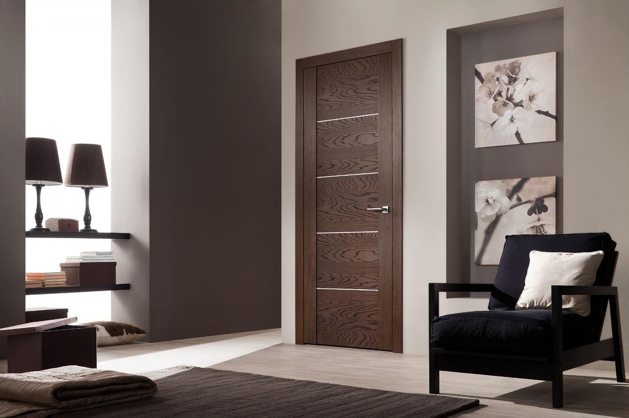 Шпонированная дверь в стиле модерн