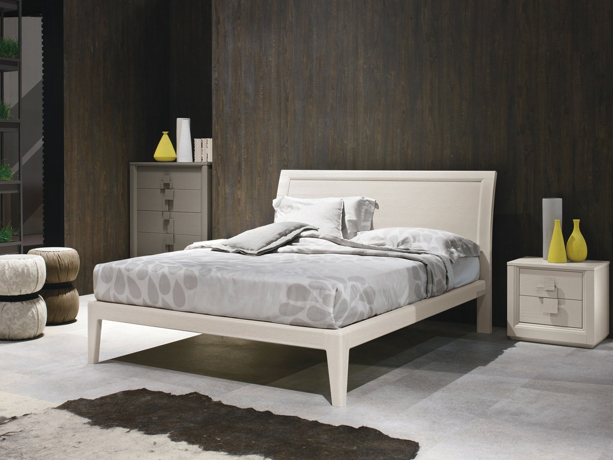Белая кровать в стиле модерн