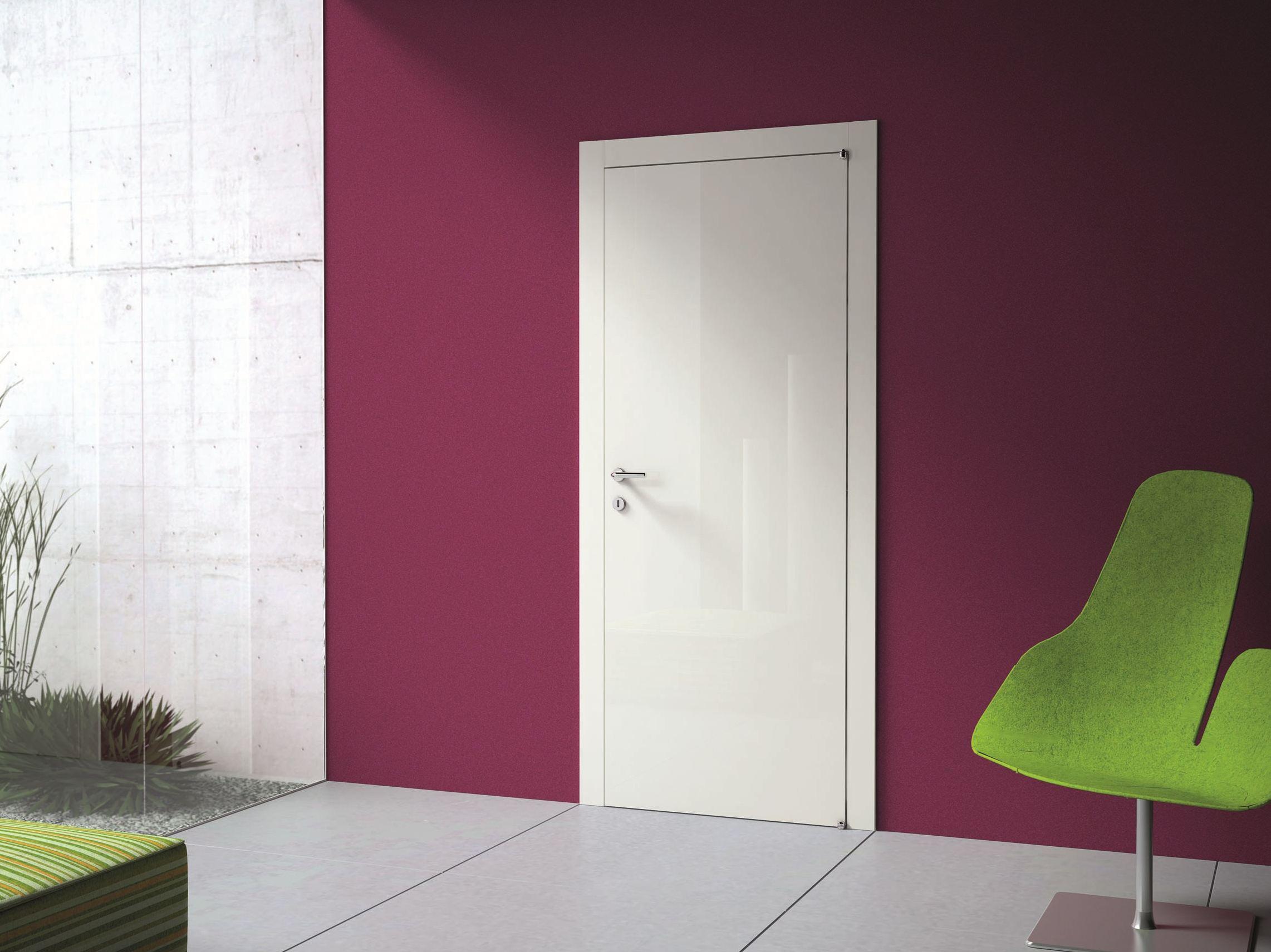Глянцевая дверь в стиле модерн
