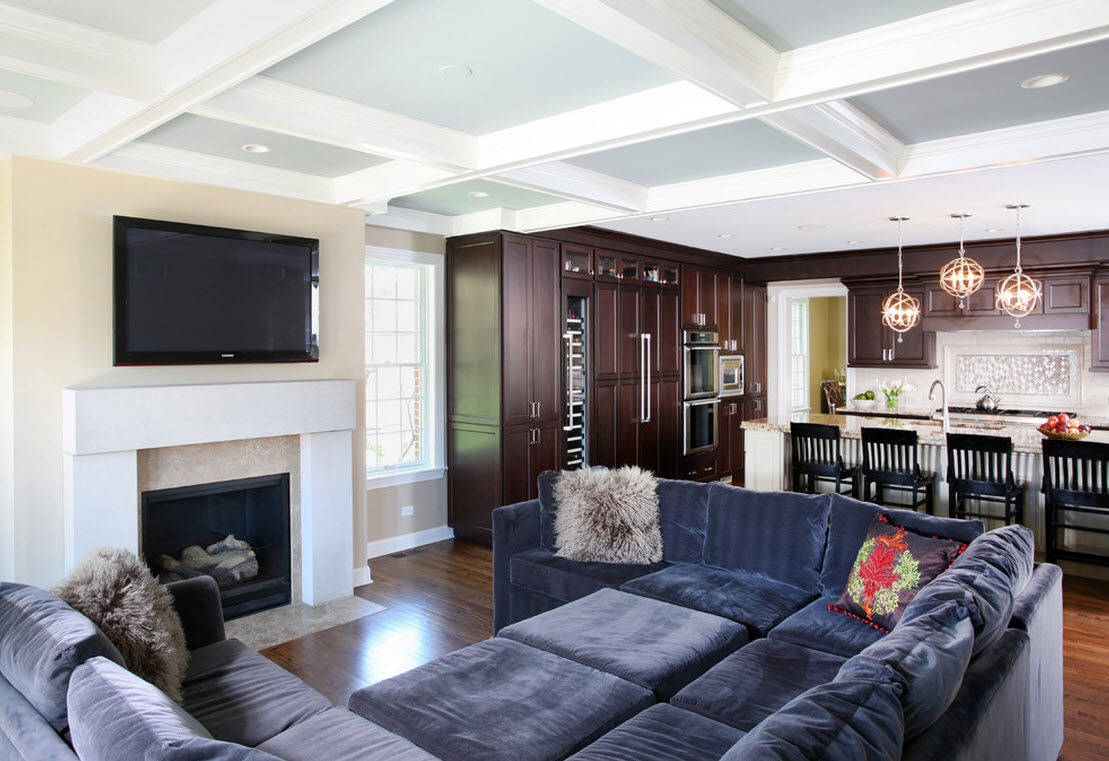Модульный диван с велюровой обивкой