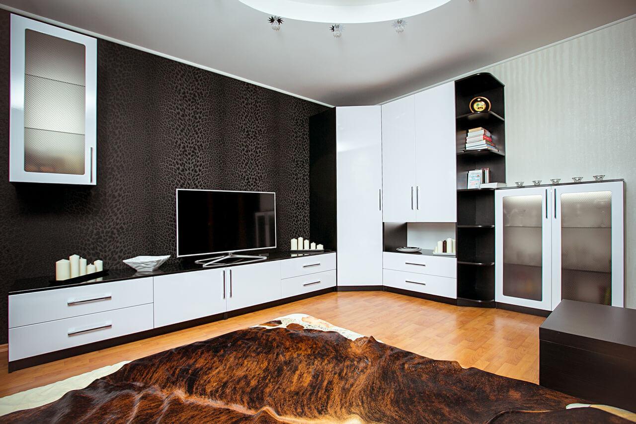Монохромная угловая стенка в гостиную