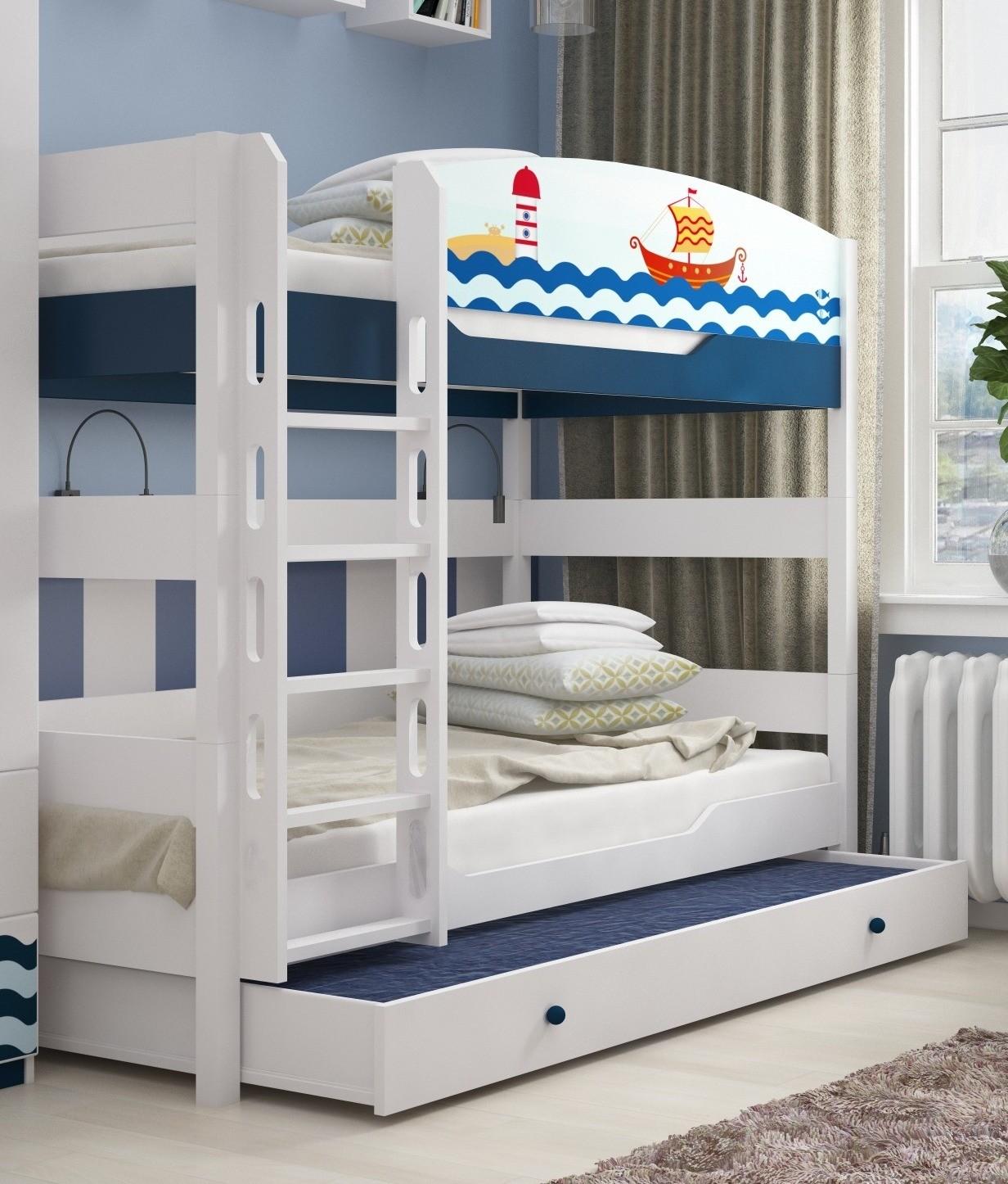 Белая детская кровать в морском стиле