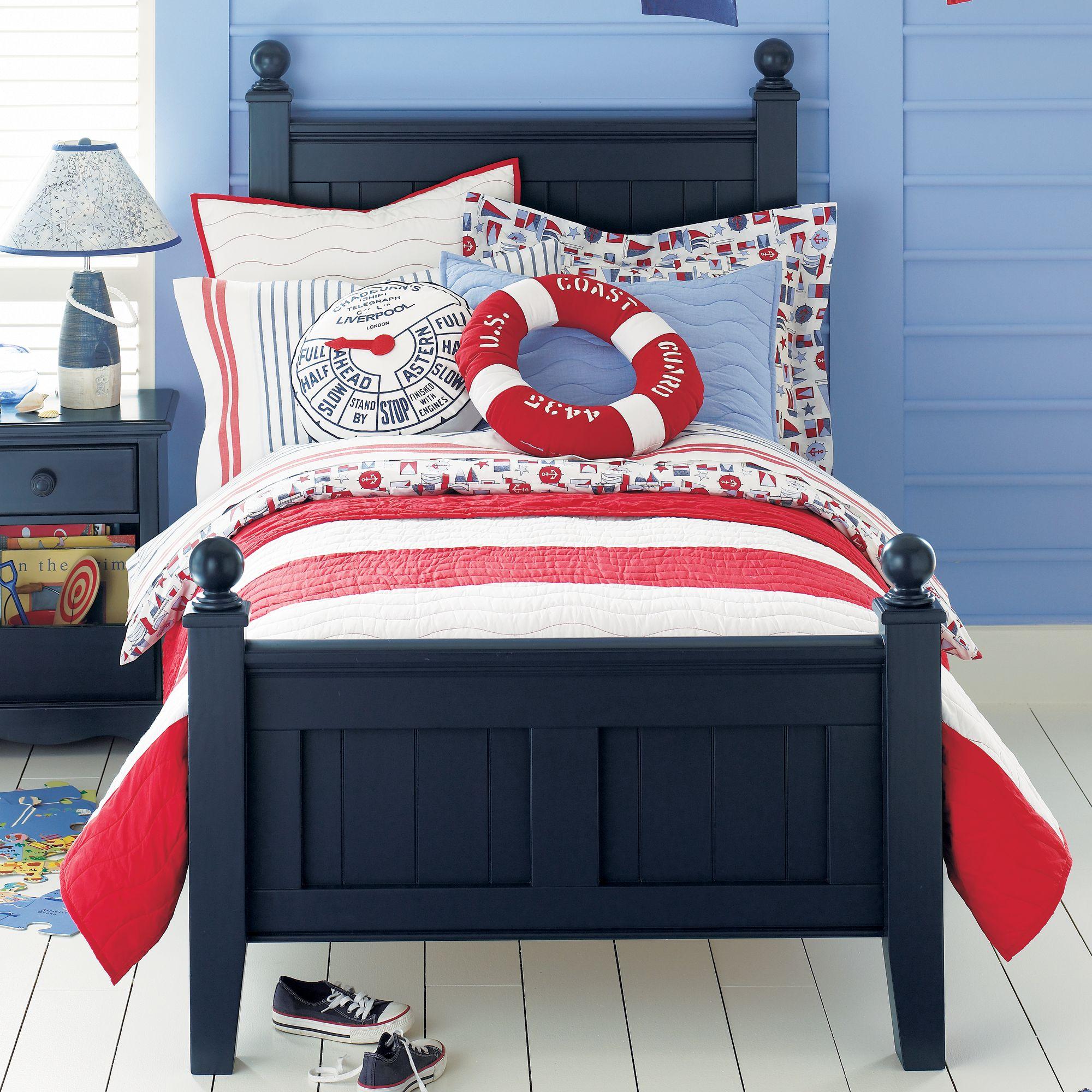 Кровать в морском стиле для мальчика