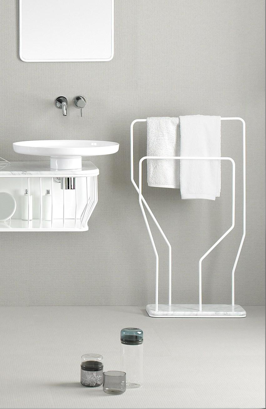 Напольный полотенцедержатель