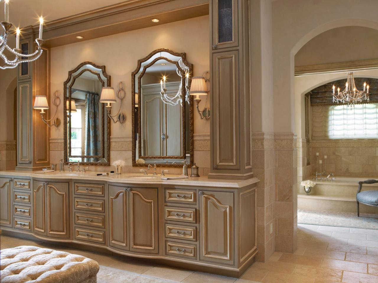 Шкаф для ванной в неоклассическом стиле