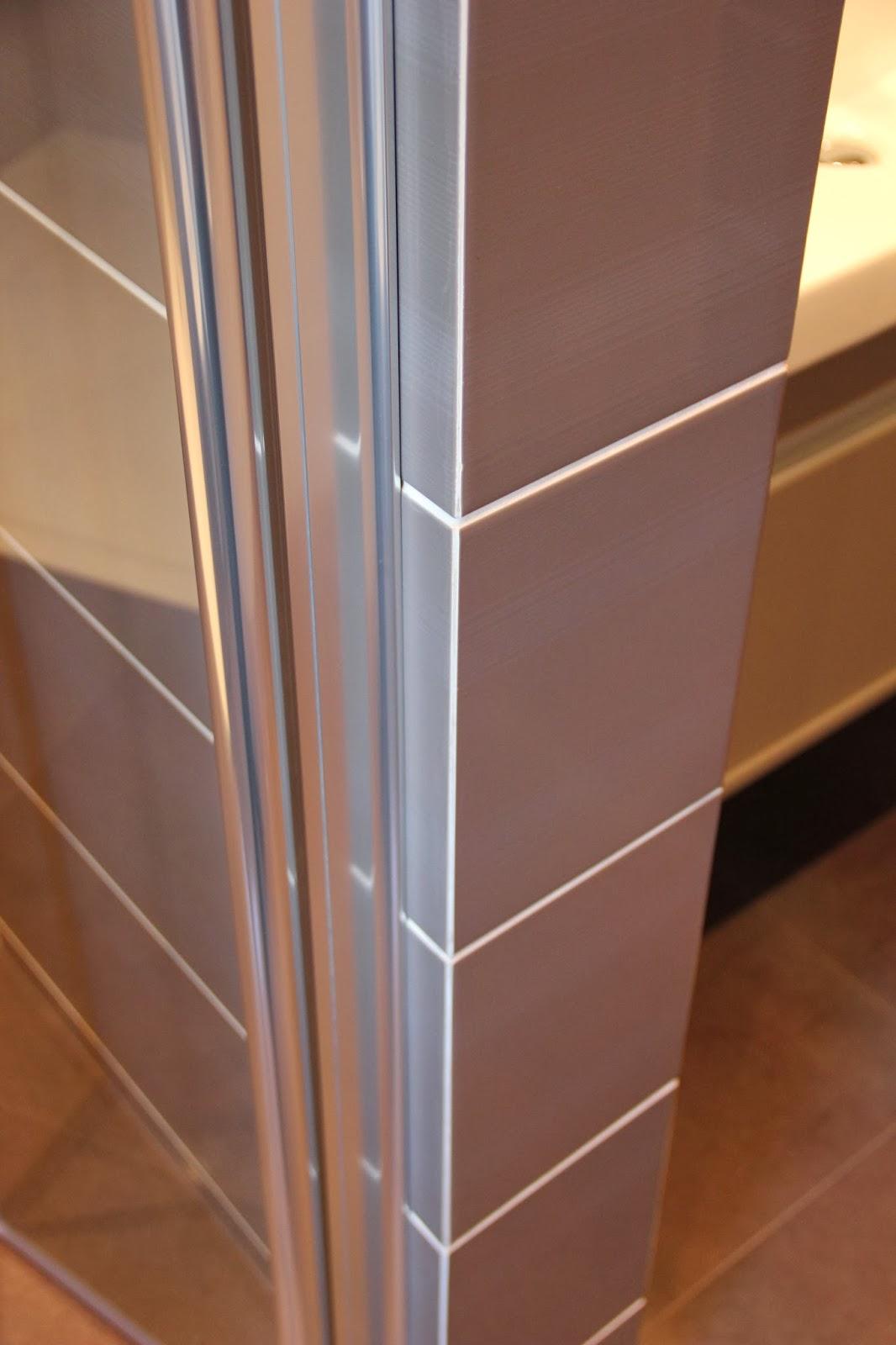 Уголок для плитки из нержавеющей стали