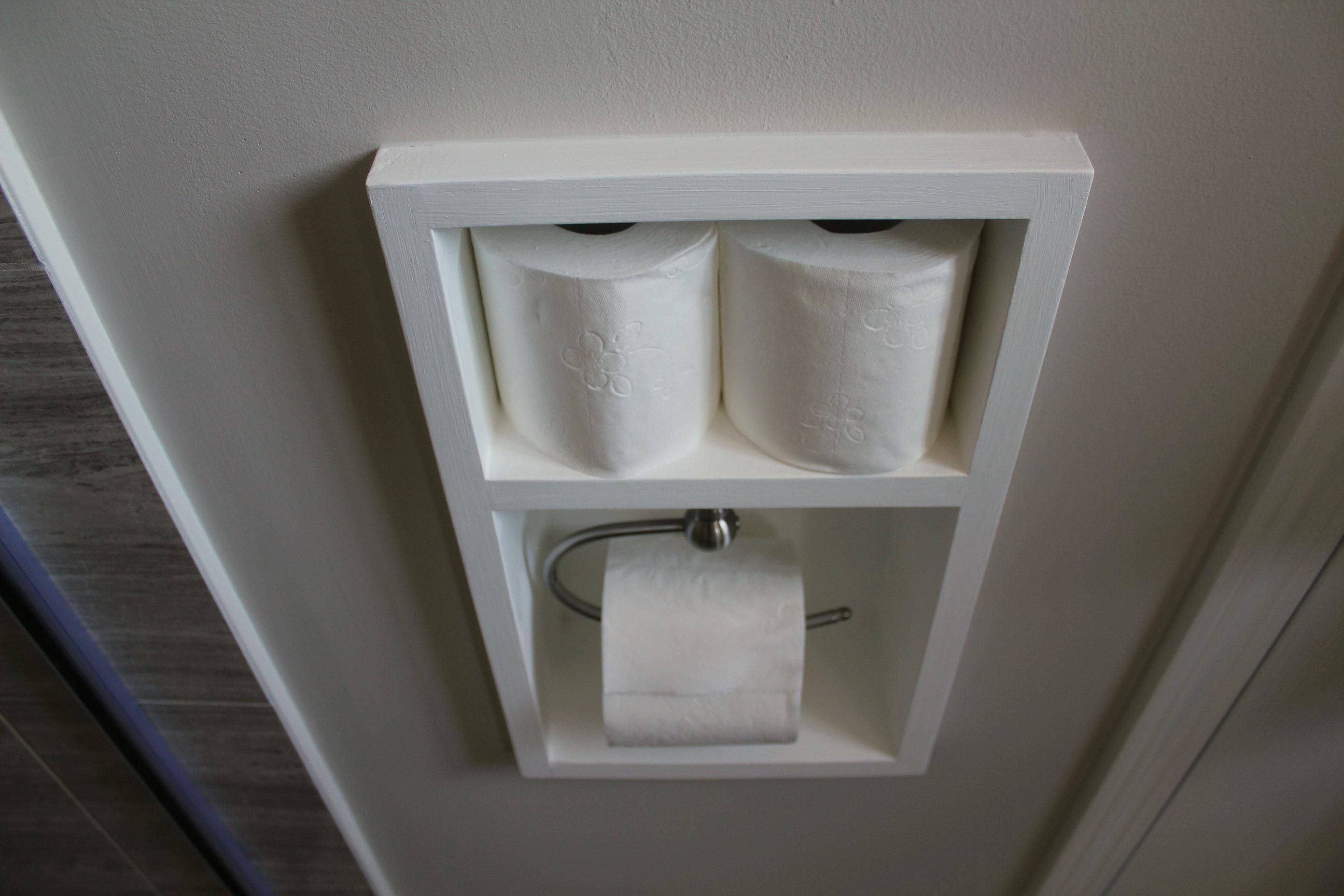 Держатель для туалетной бумаги в нише