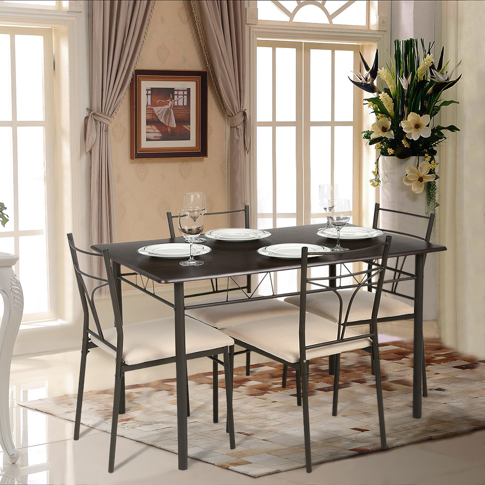 Обеденный стол из металла