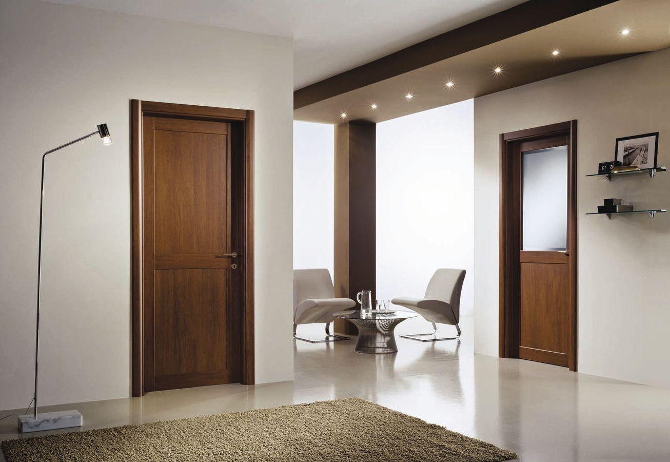 Шпонированная дверь под орех