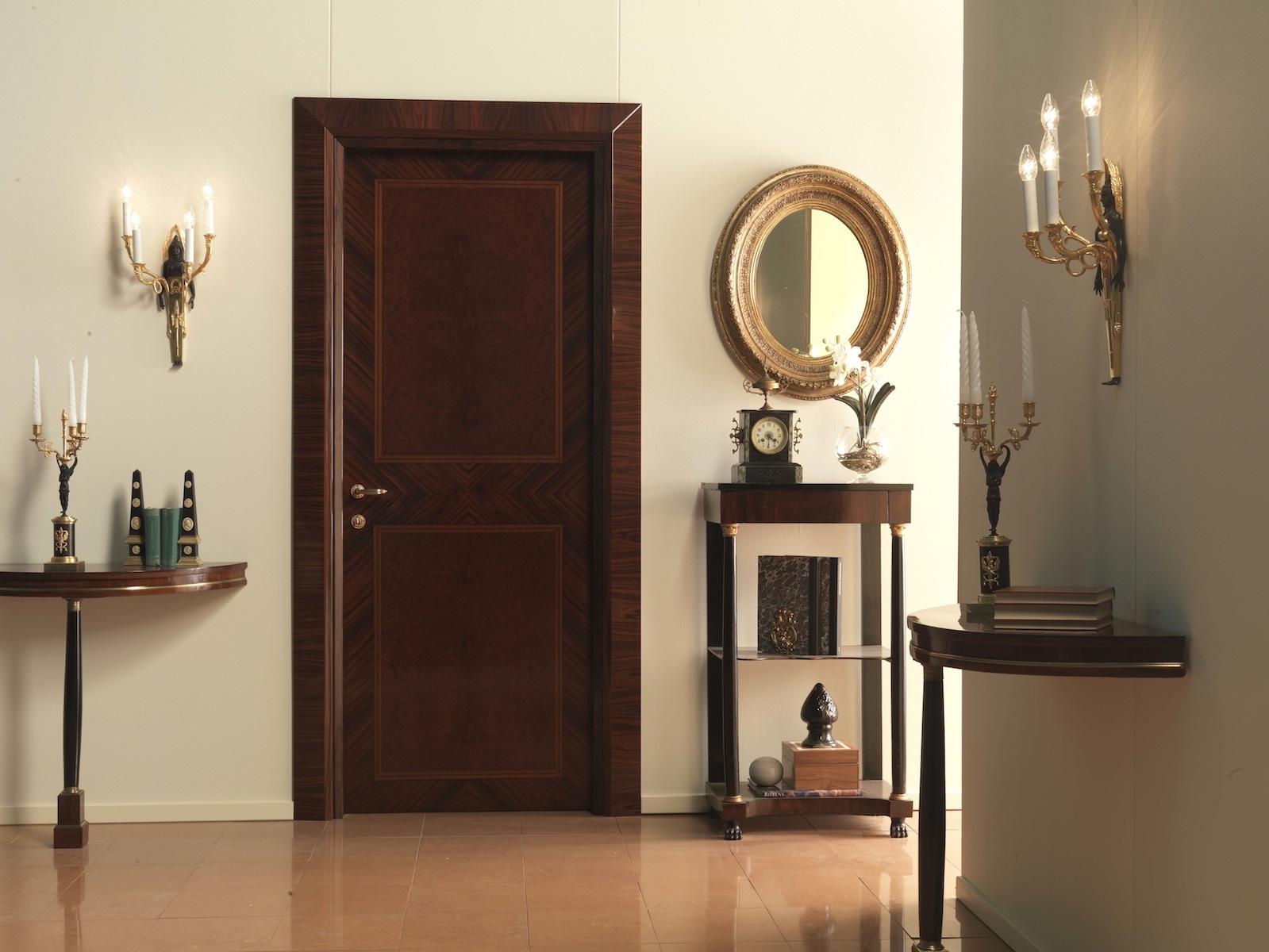 Классическая дверь из палисандра