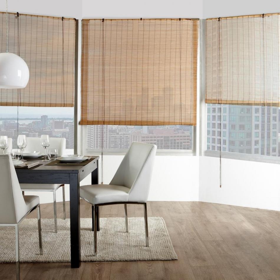 Бамбуковые шторы на панорамном окне