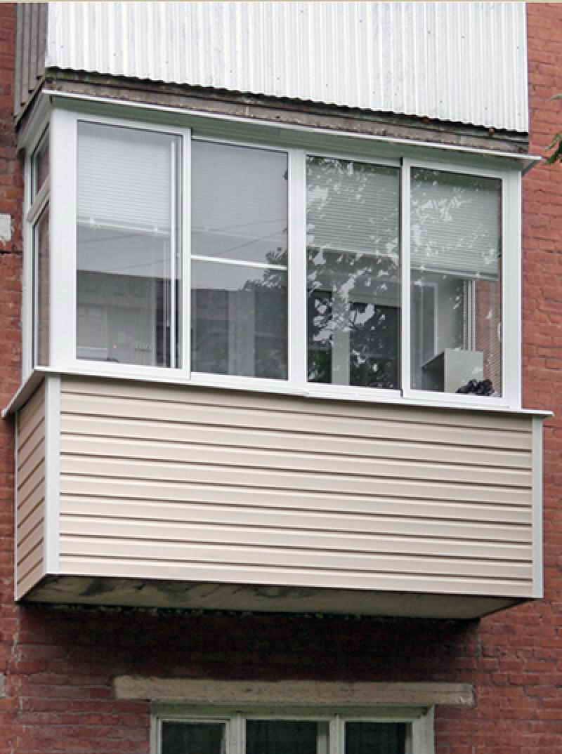 Отделка балкона пластиковым сайдингом