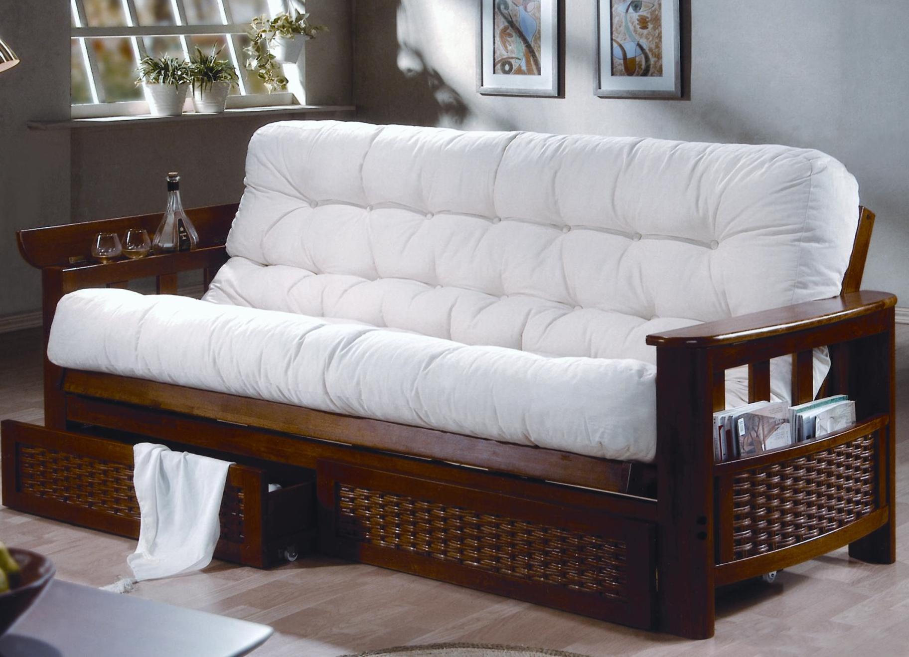 Деревянный диван с ящиками