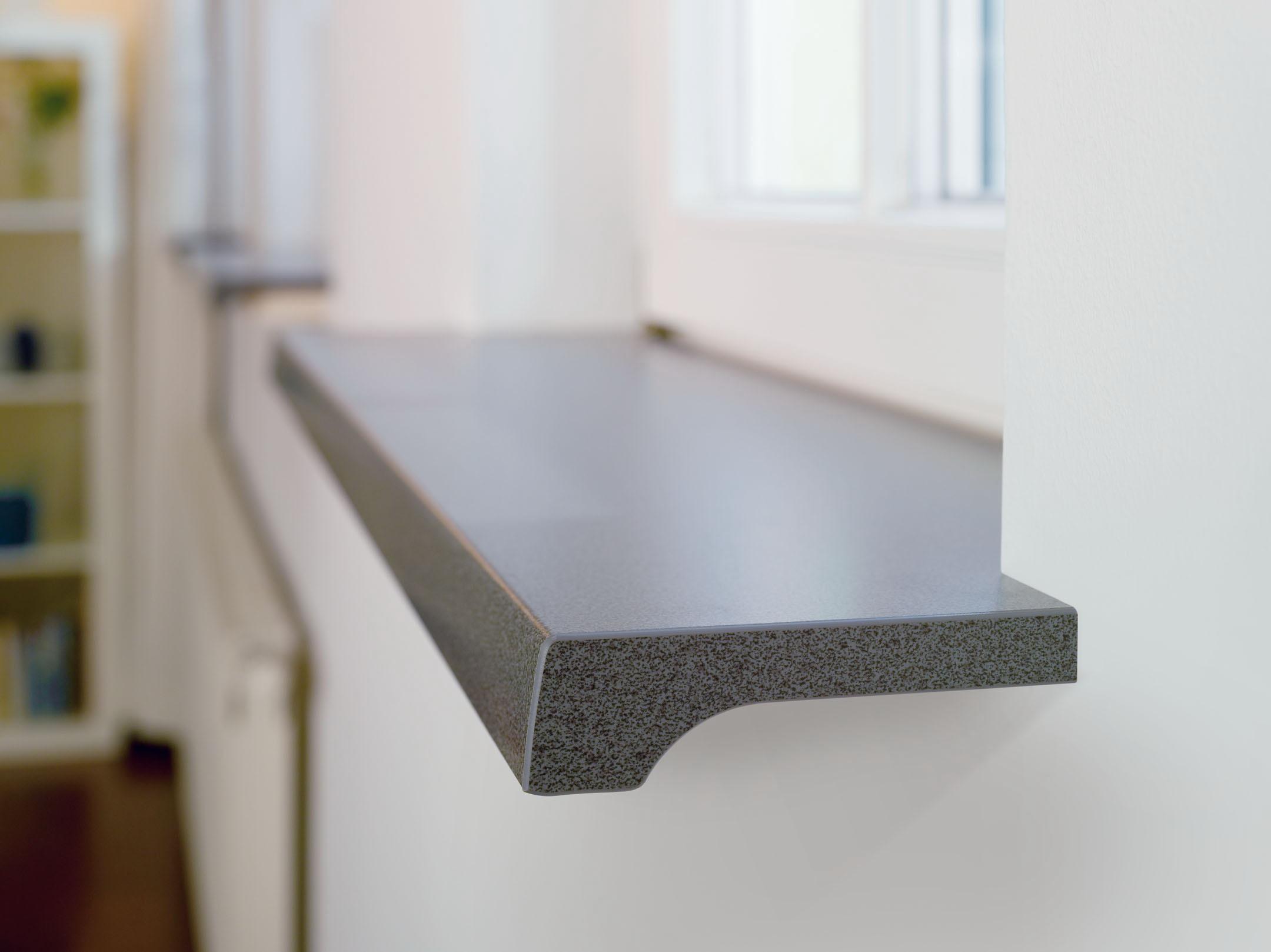 Бетонный подоконник с защитным покрытием
