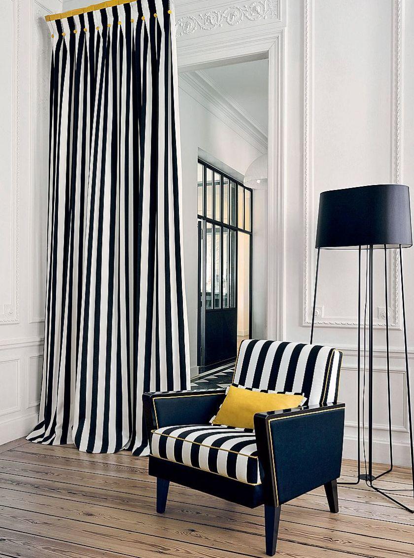 Черные полосатые шторы