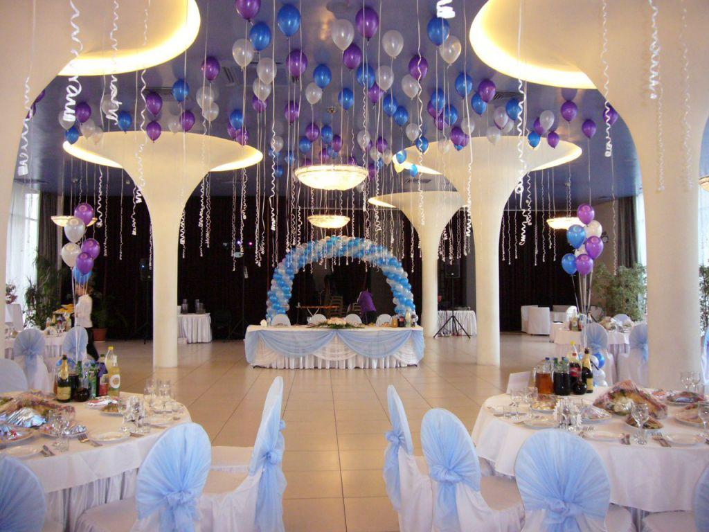 Оформление потолка воздушными шарами