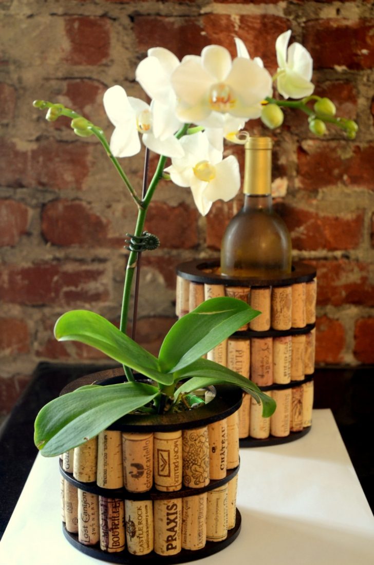 Цветочный горшок из винных пробок