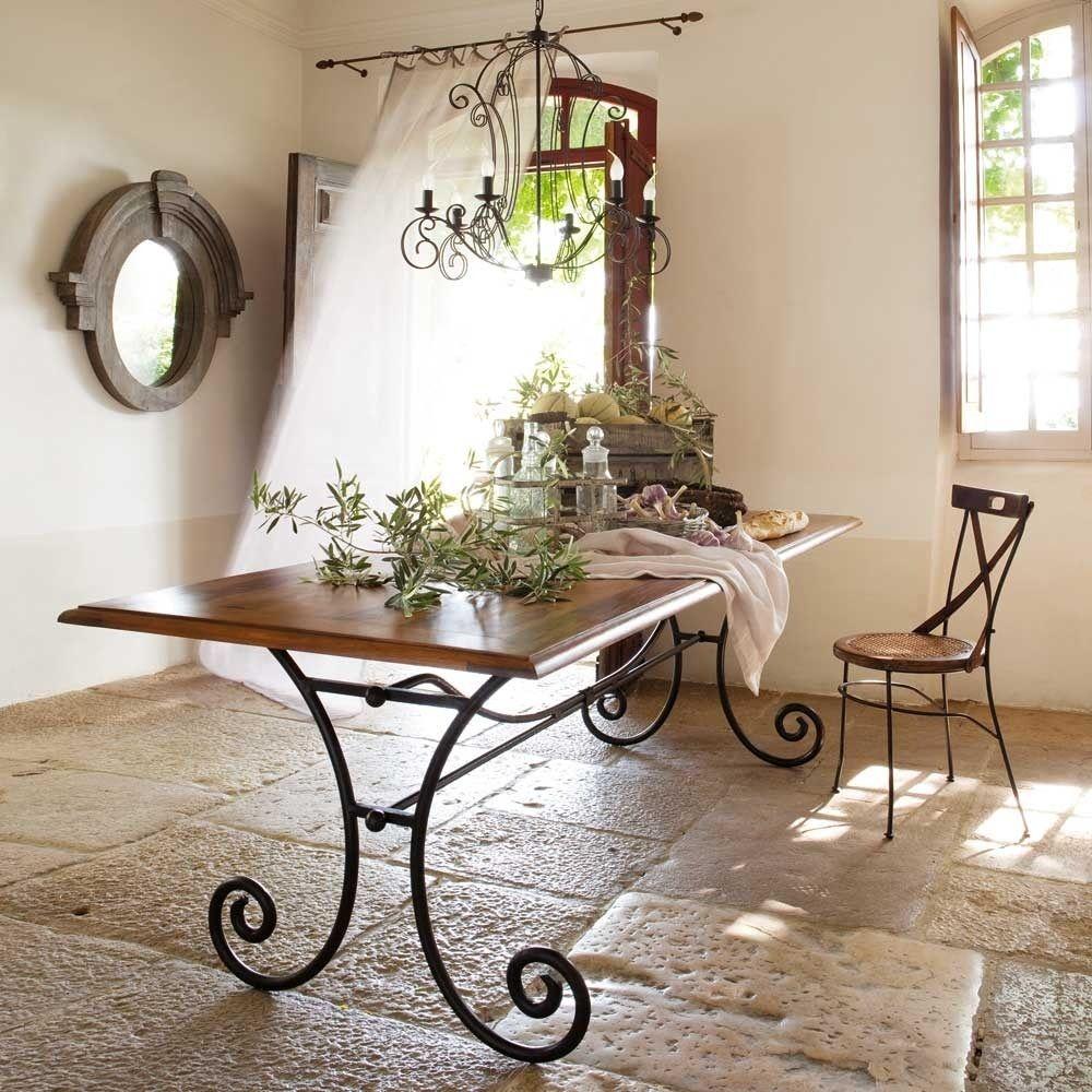 Металлический стол в стиле прованс