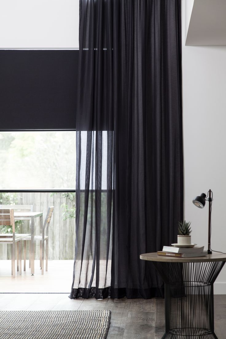 Черные прозрачные шторы