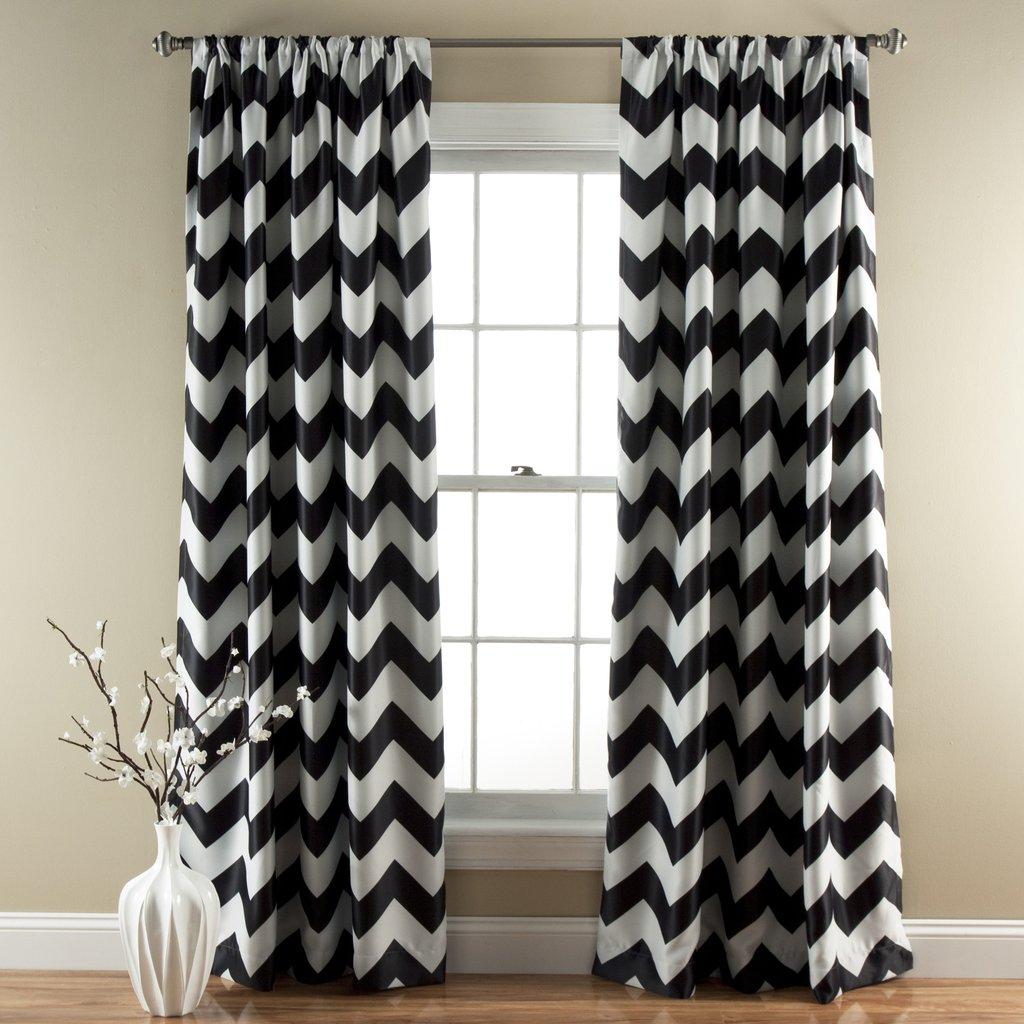 Черные прямые шторы