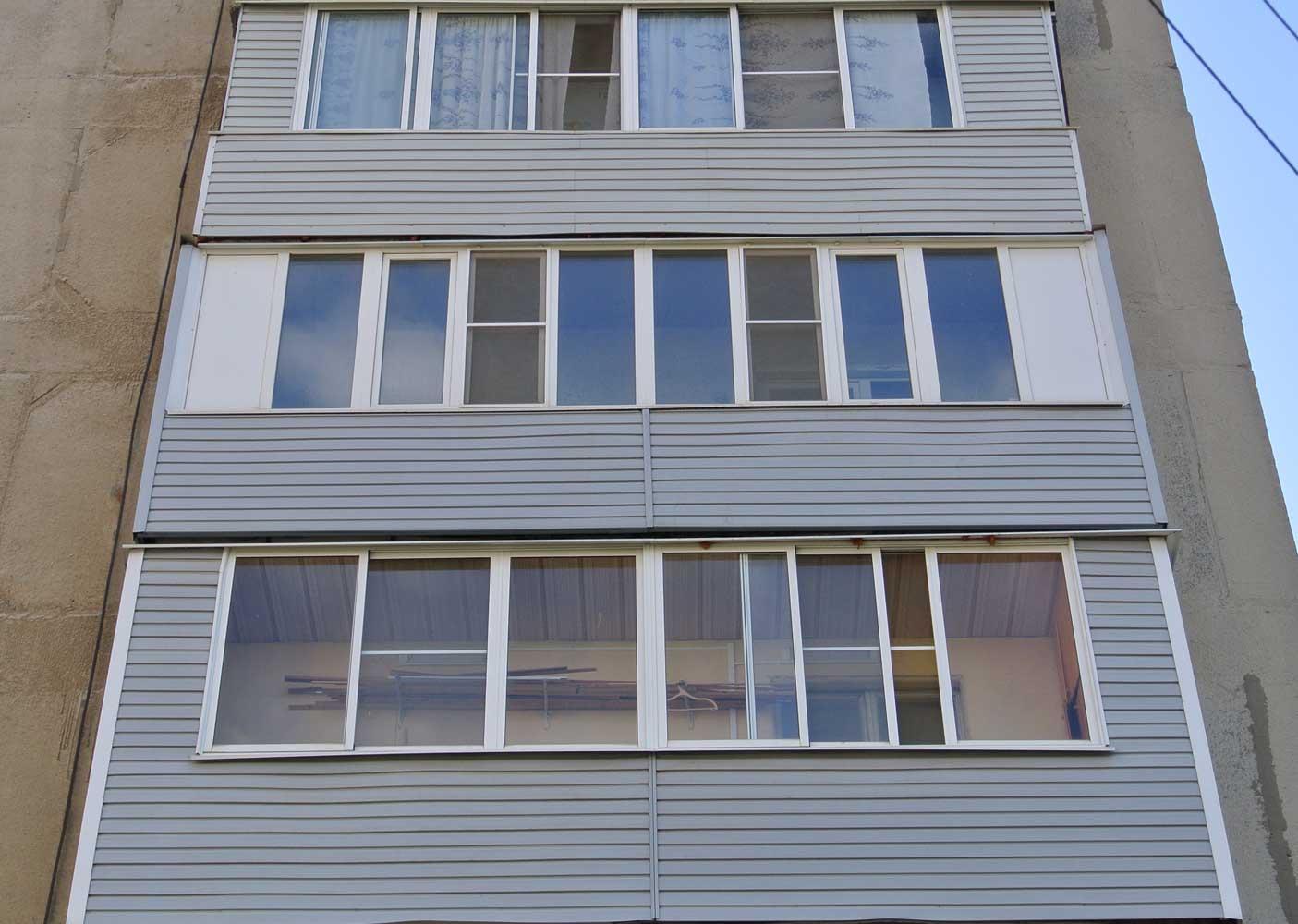 Отделка балкона сайдингом из ПВХ