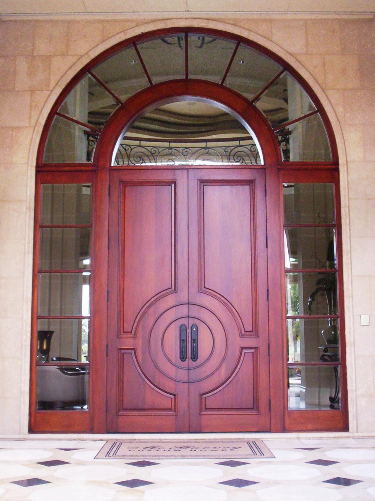Двустворчатая дверь с расширителем