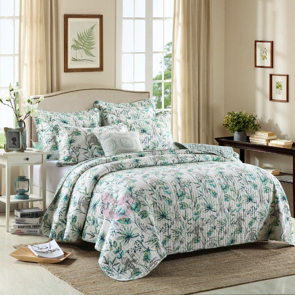 Покрывало на кровать с растительным рисунком