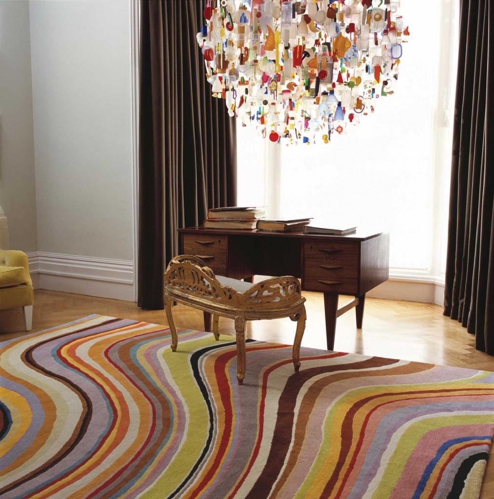 Разноцветный ковер в гостиной