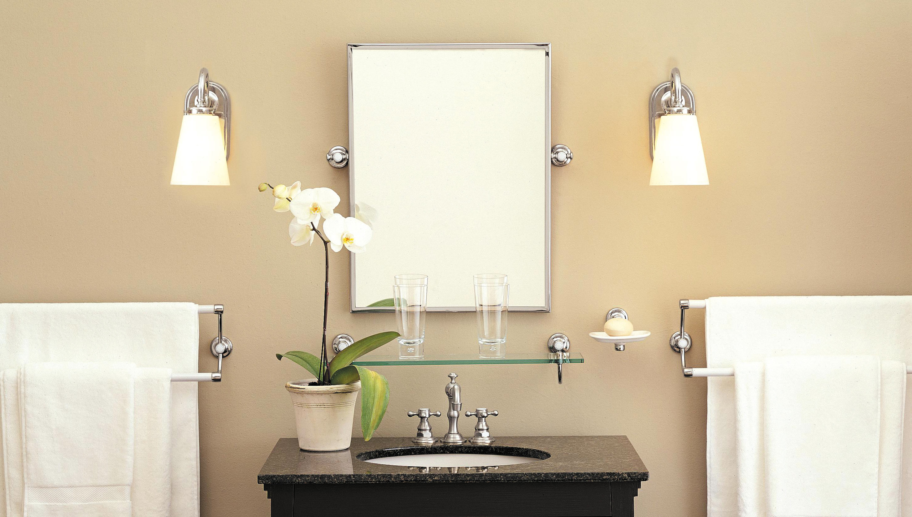 Подсветка в ванной в стиле ретро