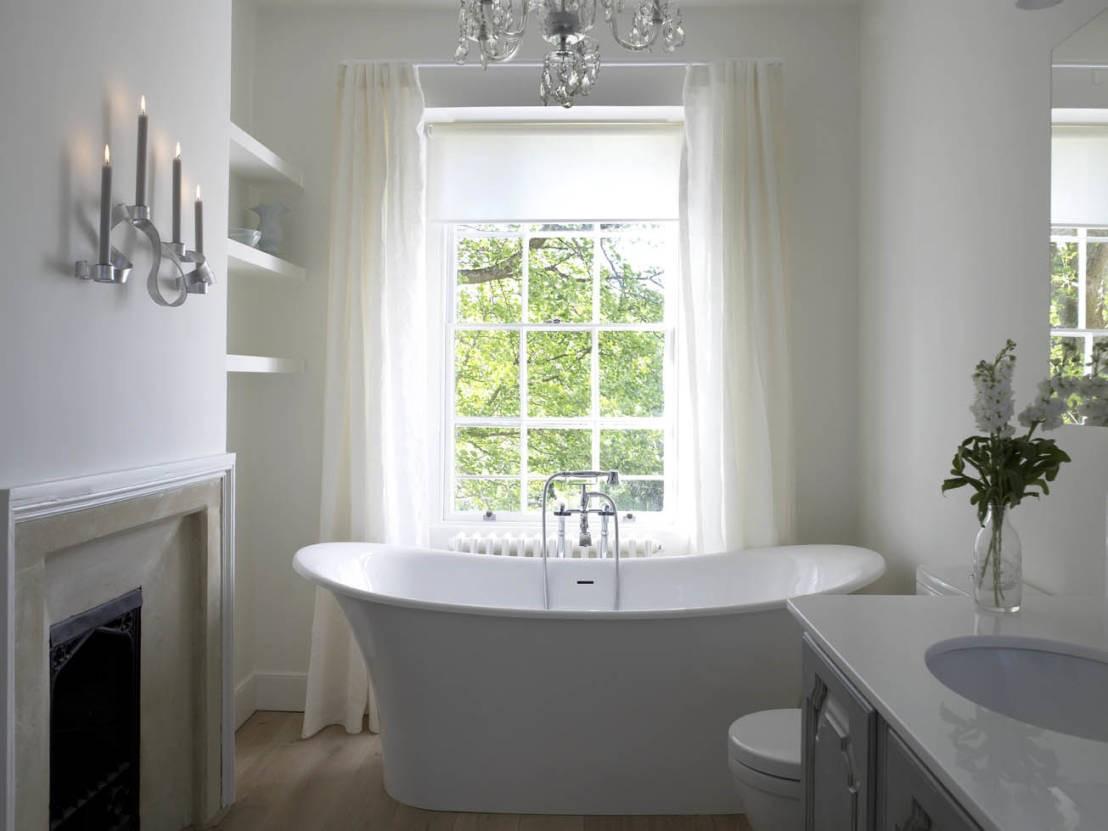 Овальная ванна в стиле ретро