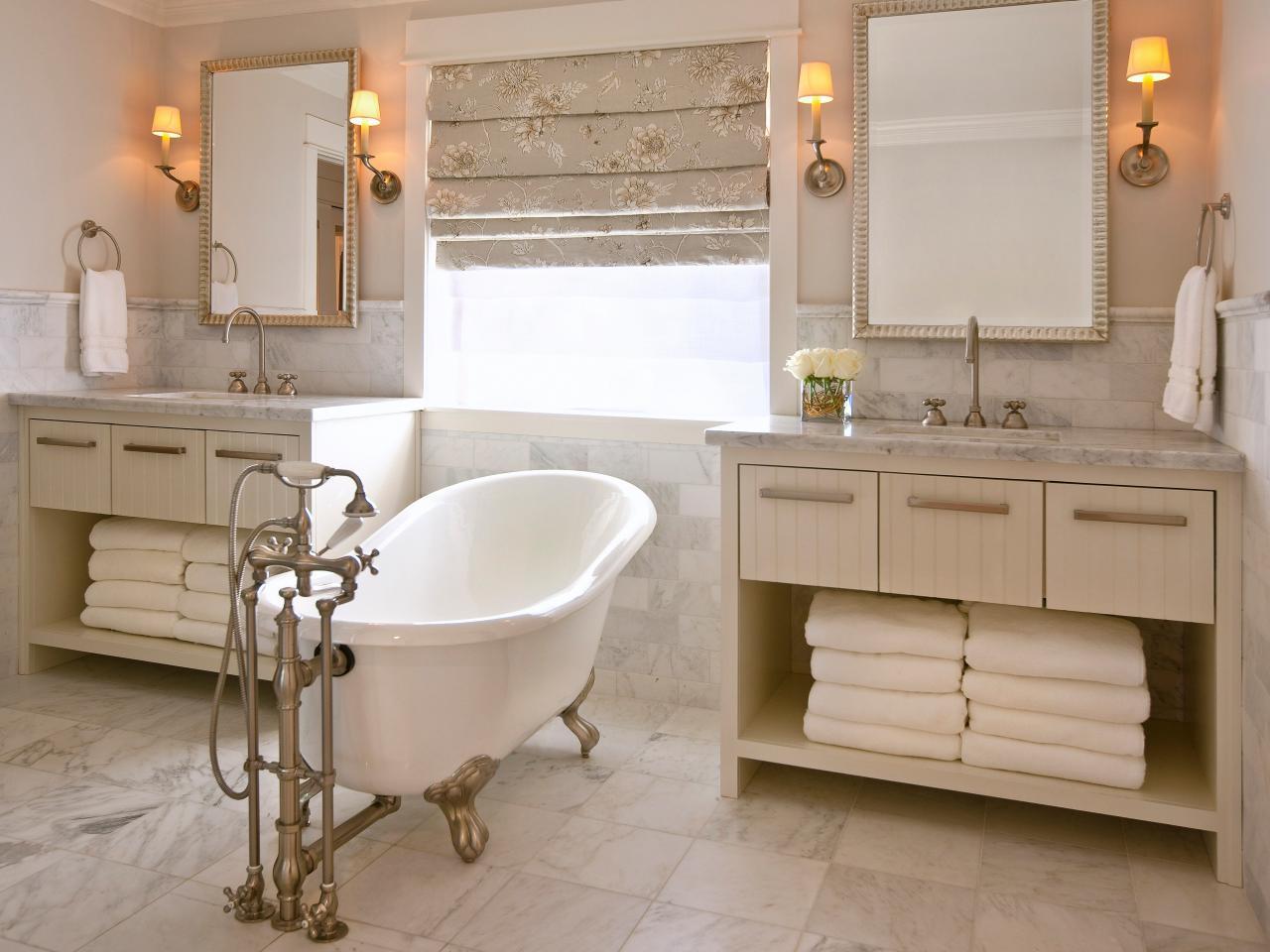 Шкаф в стиле ретро в ванной