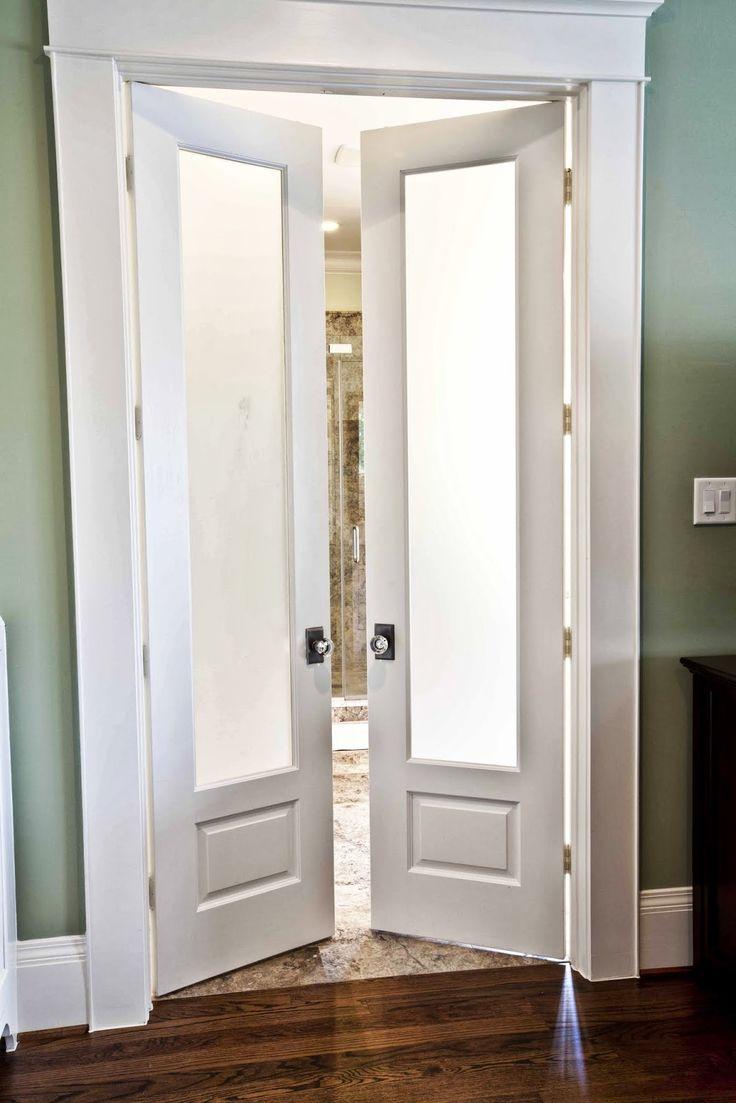 Двустворчатая дверь в стиле ретро