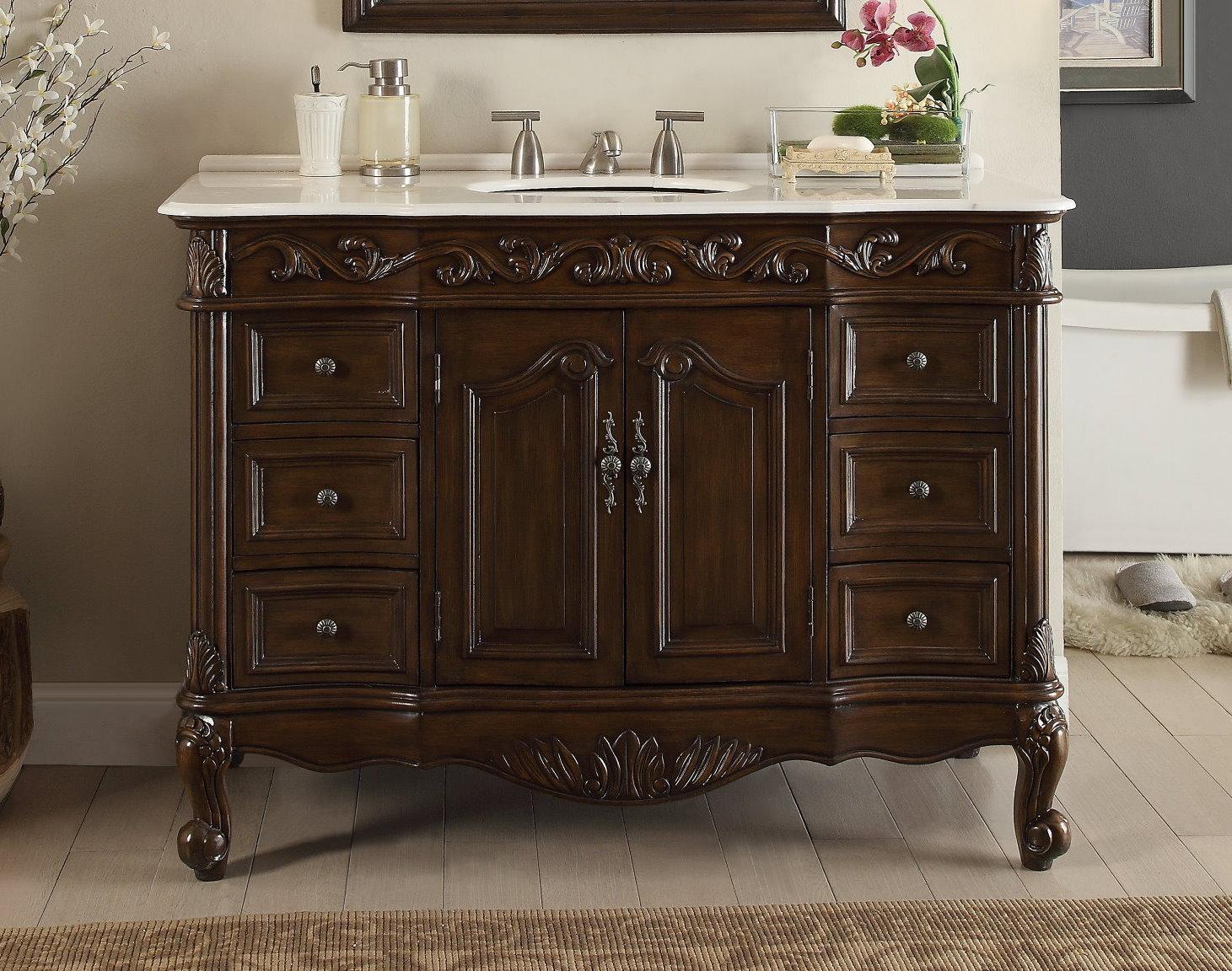 Резной деревянный комод в ванную