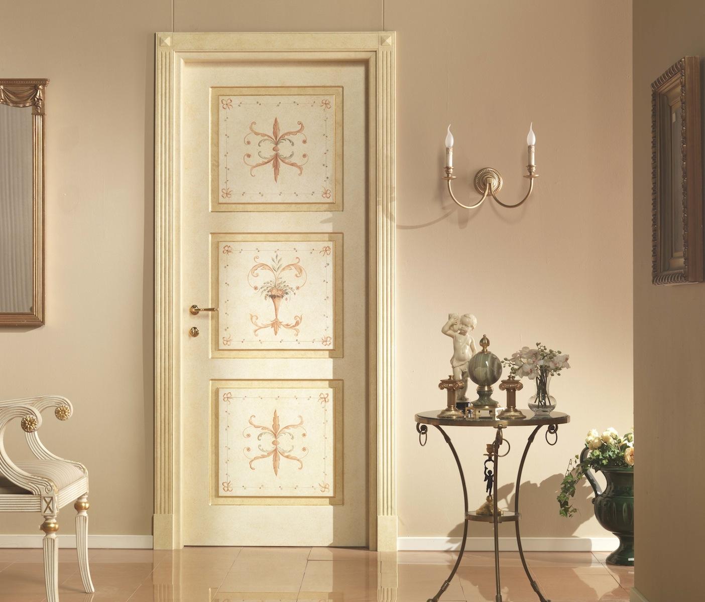 Классическая дверь с росписью