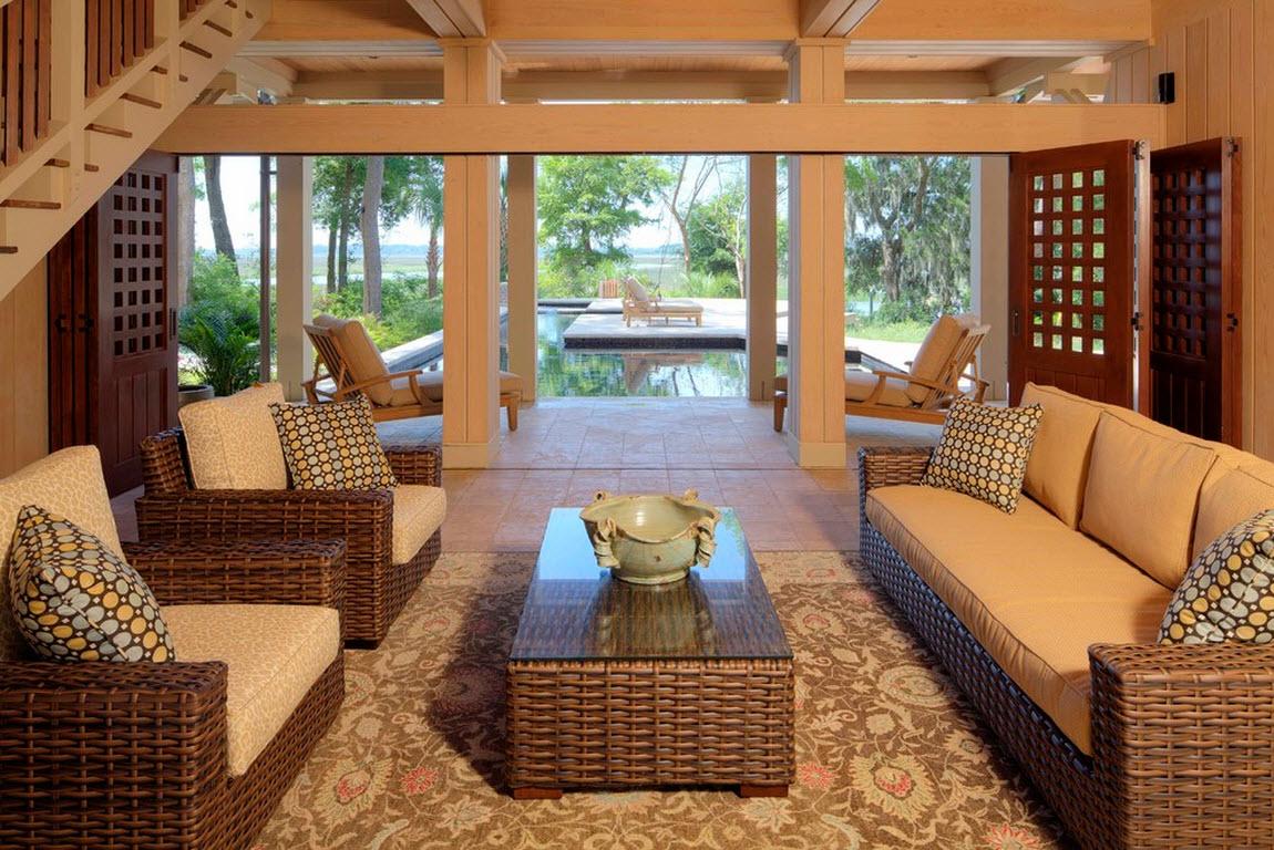 Деревянный диван из ротанга