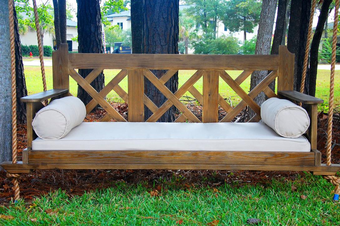 Деревянный садовый диван