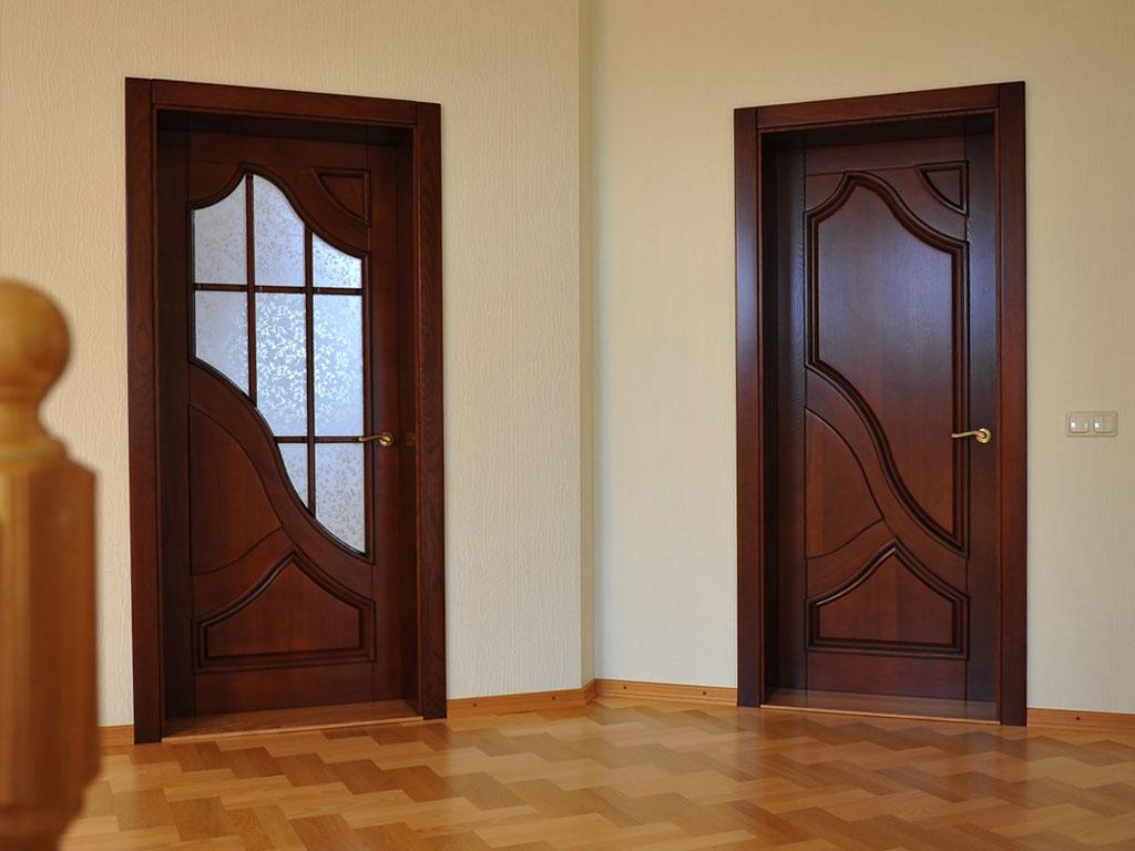 Дверь венге шоколадного оттенка