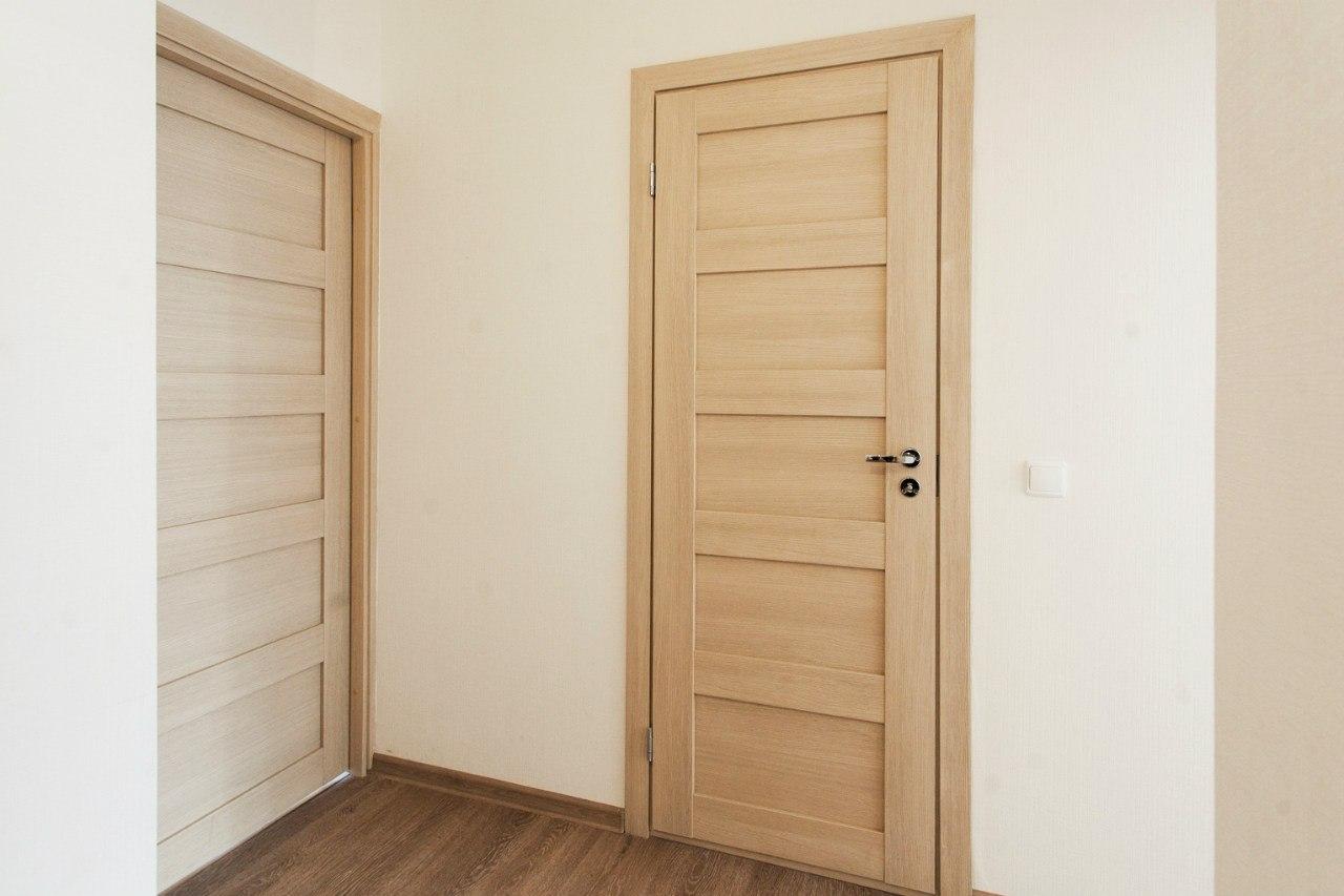 """Шпонированная дверь цвета """"орех"""""""