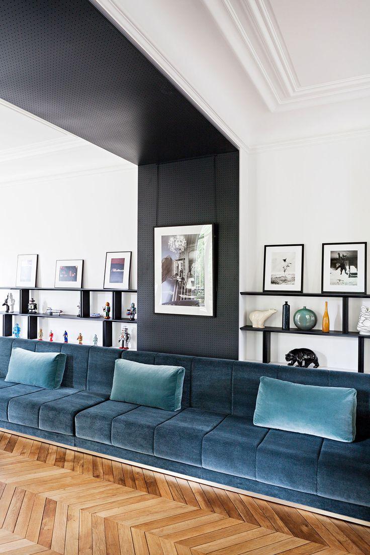 Велюровый диван в скандинавском стиле