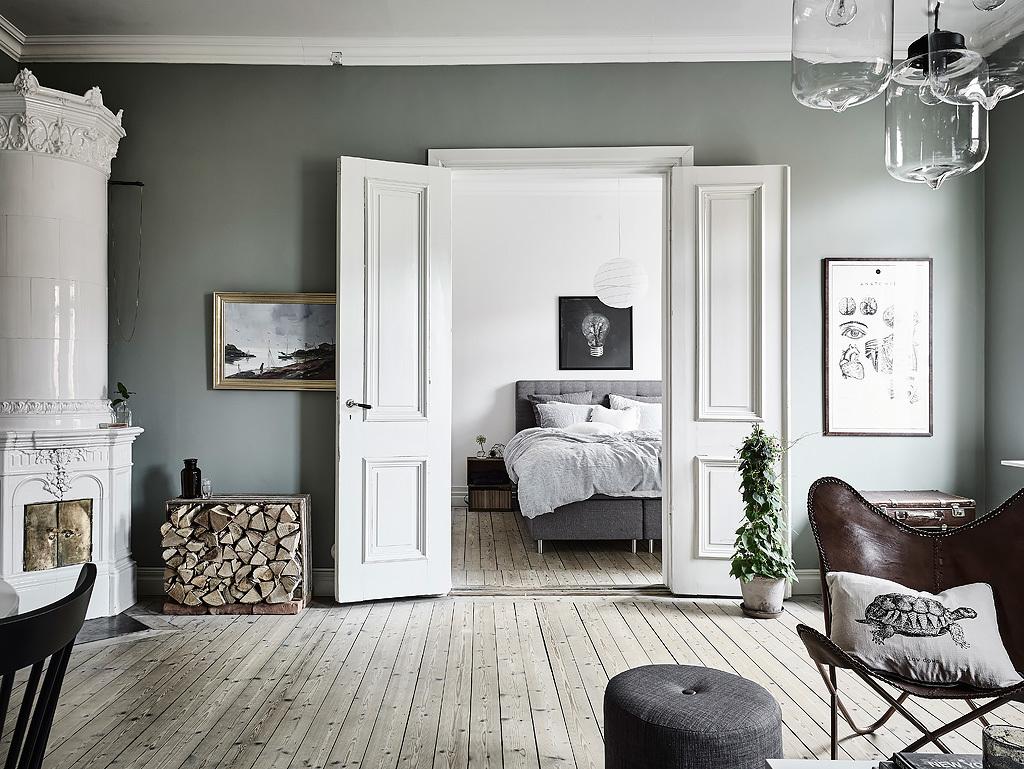 Двустворчатая дверь в скандинавском интерьере