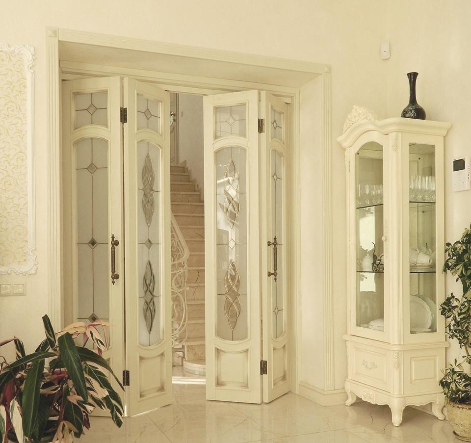 Двустворчатая складная дверь