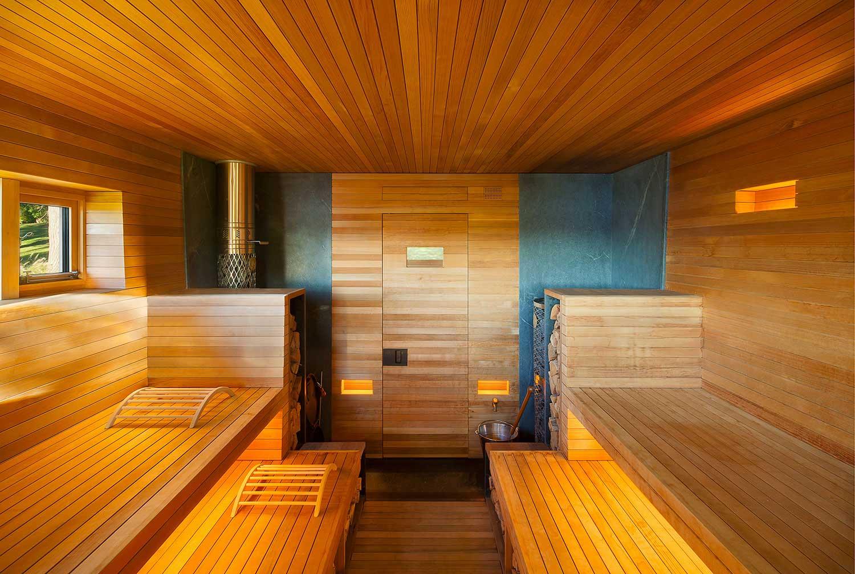 Дверь для сауны из сосны